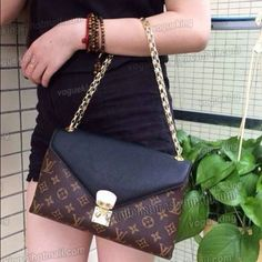Louis Vuitton Pallas chain Louis Vuitton Pallas chain collection. Very classy one of a kind in very good condition, I've used it a few times only. I have the box, dust bag and receipts, will trade for the new speedy 30 damier +money back. Thank you Louis Vuitton Bags Crossbody Bags