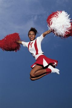 Boost the morale of everyone you meet with a kid's cheerleader pom pom craft. - Boost the morale of everyone you meet with a kid's cheerleader pom pom craft. Whether for a Hallo - Cheerleading Pom Poms, Cheer Pom Poms, Cheerleading Uniforms, Baby Blanket Crochet, Crochet Baby, Toddler Pictures, Cheer Outfits, Pom Pom Crafts, Easter Bunny Decorations