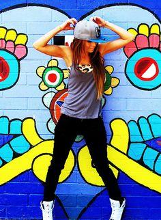 Portfolio | LOUD LOVE PHOTOGRAPHY urban graffiti pose