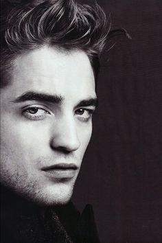 Robert Pattinson | Edward Cullen