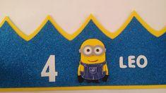 LOPI Y SUS FOFUCHAS: CORONAS DE CUMPLEAÑOS MINIONS . Minion Birthday, Minion Party, 2nd Birthday, Birthday Decorations, Maya, Art Gallery, David, Store, Licence Plates