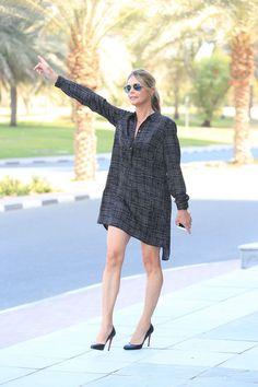 Lyndsey wears: Dress: Armani Exchange Shoes: Louboutin Leather bracelet: Balu Joias Earrings: Pandora