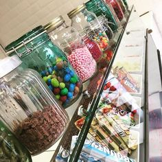 Who doesn't like toppings?  Create your own frozen yoghurt, waffle, ice cream pot, crepe or milkshake and let your sweet, savoury or healthy little teeth take you on a tasty journey to the land of milk and sugar. Dreamy. 🍬🍪🍩🍫🍭☁️🍌🍏🍓🍦 #idreamofdesserts #followus #realtastytreats #yogeetreats #crepesfordays #healthlytreats #liverpoollocal #belgianwaffle
