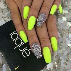 Neon nails with glitter accent bright nails neon, summer nails neon, neon nail colors Neon Yellow Nails, Neon Nails, Cute Acrylic Nails, Cute Nails, My Nails, Summer Nails Neon, Bright Nails For Summer, Bright Nails Neon, Lime Green Nails