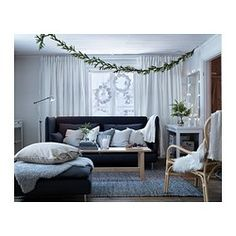 IKEA - BJURSTA, Stół rozkładany, W komplecie 2 wysuwane blaty.Stół do jadalni z 2 wysuwanymi blatami dla 1-2 osób; regulacja rozmiaru stołu według potrzeb.Wysuwane dodatkowe blaty zapewniają praktyczną powierzchnię użytkową i łatwo je przechować pod stołem.Pokrytą bezbarwnym lakierem powierzchnię łatwo wytrzeć do czysta.Ustawiony pod ścianą, może idealnie posłużyć jako stolik dodatkowy.