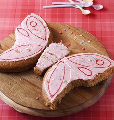 Gâteau d'anniversaire papillon, la recette d'Ôdélices : retrouvez les ingrédients, la préparation, des recettes similaires et des photos qui donnent envie !