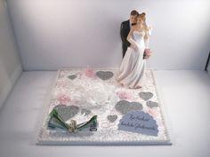 auf einem festen Leinwandkarton habe ich diese hübsche Idee arrangiert - ganz edel in weiß, zartrosa und silber ... hervorragend geeignet, um einen Geldschein zur Hochzeit nett verpackt zu...