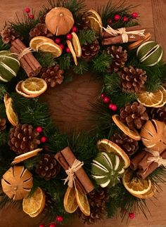 LUXURY HANDMADE large 16 inch Christmas wreath of dried fruit Mix cinnamon bundles Oranges Limes Hessian Bow Large starter Premium, Outside Christmas Decorations, Christmas Table Centerpieces, Christmas Door Wreaths, Easy Christmas Crafts, Homemade Christmas, Christmas Ornaments, Natural Christmas, Rustic Christmas, Simple Christmas
