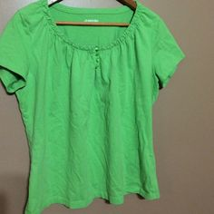 Green top large Green St. John's bay top great condition St. John's Bay Tops