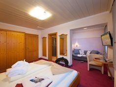 Standard double room / Standard Doppelzimmer