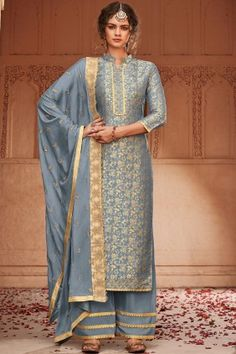 Order this Grey color beautiful Palazzo Suits online which can be customized up to 58 Inches chest size and the style of this dress is Festival Wear,Party Wear which needs First Wash Dry Clean Only for wash care The dress is made Banarsi Jacquard fabric w Style Palazzo, Palazzo Suit, Indian Salwar Kameez, Salwar Kameez Online, Pakistani Suits, Pakistani Dresses, Punjabi Suits, Indian Dresses, Art Marron