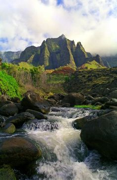 Kalalau Stream and mountains, Kauai, Hawaii.