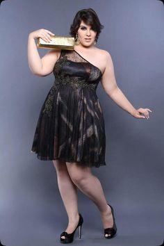 Confira as fotos da coleção Plus Size | Arthur Caliman - Vestido de festa                                                                                                                                                                                 Mais