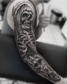 Day 2 / Grim Reaper long sleeve # bwmentalität and white and gray Evil Skull Tattoo, Evil Tattoos, Grim Reaper Tattoo, Forarm Tattoos, Skull Tattoo Design, Body Art Tattoos, Hand Tattoos, Grim Reaper Art, Tattoo Ink