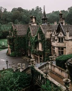 The beautiful Manor House Hotel in Castle Combe in Wiltshire Arquitectura Wallpaper, Manor House Hotel, Castle Combe, Slytherin Aesthetic, Design Jardin, Beautiful Places, Beautiful Beautiful, Beautiful Pictures, Scenery