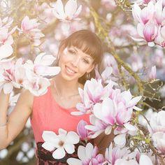 Magnolien shooting! Schönen Dienstag 😊  Model @huischasauter    #model, #photo, #foto, #photography, #woman, #photooftheday, #photoshoot, #portrait, #beautiful, #shooting, #augsburg, #dillingen, #bissingen, #donauwörth, #shoot, #pic, #photographer, #fotografie, #beauty, #Magnolien, #flower, #lensflair, #sun, #lensflare