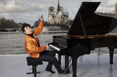 #SteinwayArtist Lang Lang cruised down the Seine on a #SteinwayPiano