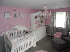 crib & cod (chest) on left wall, mixing dark & white in room, circle rug ~~ideas