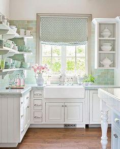 Nice 70 Pretty Farmhouse Kitchen Curtains Decor Ideas https://roomadness.com/2018/01/14/70-pretty-farmhouse-kitchen-curtains-decor-ideas/