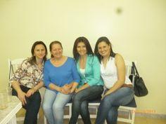 Mis amigas lindas, Márcia, Fátima, silvana y yo. Noche de comemoración de los maestros.