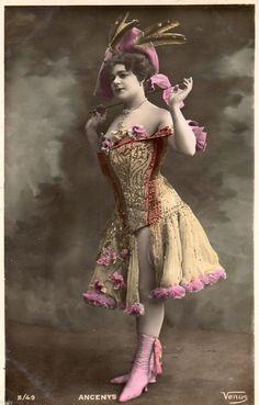 BE364 Carte Photo Vintage Card RPPC Femme Woman Ancenys Chapeau Fashion Mode