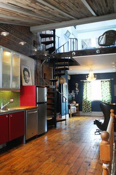 super sweet loft apartment with black metal spiral staircase Dream Apartment, Apartment Living, Apartment Therapy, Apartment Layout, Apartment Ideas, Living Rooms, Lofts Pequenos, Casa Loft, Mini Loft