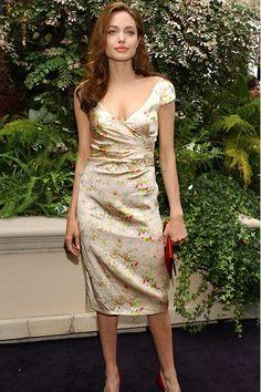 Celebrity Photos, Celebrity Style, Celebrity News, Angelina Jolie Photos, Angelina Jolie Body, Jolie Pitt, Glamour, Julia Roberts, Stana Katic