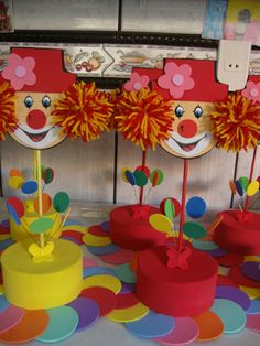 Timestamps DIY night light DIY colorful garland Cool epoxy resin projects Creative and easy crafts Plastic straw reusing ------. Kids Crafts, Clown Crafts, Circus Crafts, Carnival Crafts, Carnival Themed Party, Carnival Birthday Parties, Carnival Themes, Circus Birthday, Circus Theme
