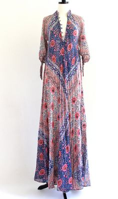 beautiful vintage Indian dress.....Lynn this would be gorgeous on you!!!!