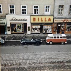 VW Samba Bus and Jaguar E-Type at Äußere Mariahilfer Str. 1150 Vienna - a Billa Supermarket is still there today. Vw T1 Samba, Good Old Times, Austro Hungarian, Vw Volkswagen, Vienna Austria, Old Pictures, Vintage Photos, The Good Place, Survival