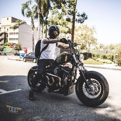 "Instagram의 Kinetic Motorcycles님: ""@fredis_b in the streets of LA with the Forty-Eight."""