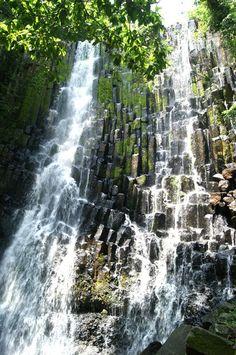 Cascada Los Tercios-Suchitoto   El Salvador #elsalvador #reisjunk #travel #world #explore www.reisjunk.nl