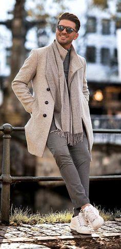 Fashion Games, Fashion 2020, Daily Fashion, Fashion Outfits, Men's Fashion, Winter Outfits Men, Winter Clothes For Men, Mens Scarf Fashion, Most Stylish Men