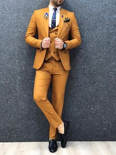Top Fashion, Indian Men Fashion, Mens Fashion Suits, Mens Suits, Blazer Outfits Men, Stylish Mens Outfits, Formal Men Outfit, Casual Wear For Men, Green Suit Men