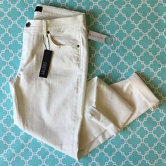 """Flash SaleCrosby StitchFix Skinny Ankle Jeans super soft NWT white skinny ankle jeans from premium denim brand Crosby for Stitch Fix. 91.5% cotton, 2.5% Lycra, 6% poly. very comfy with stretch for all day movement. tag lists color as white but it is a very slight creamy white vs. a bright white. waist is 15.75"""" flat, front rise is 8.5"""", inseam is 29"""". size 30. these are new with tags, never worn.**price firm unless bundled* 6E1862 Stitch Fix Jeans Ankle & Cropped"""