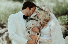 Colorado Wedding // Incorporate your pup into your wedding! This sweet little maltese poodle (maltipoo) is soaking up all the love.