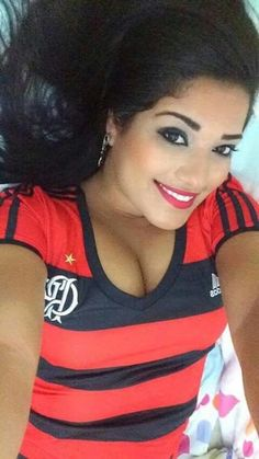 Musa do flamengo best friend perfect good times ever memories forever girlfriend kisses hugs romance love her slender naughty sexy lady gorgeous classy elegant stylish girly Romance And Love, Musa, Beautiful Smile, Love Her, Eye Candy, Sexy Women, Girly, Classy, T Shirts For Women
