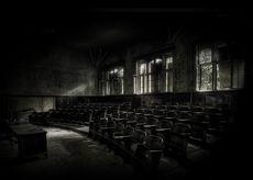 griezelige kruipen monochroom auditorium 1920x1080 wallpaper