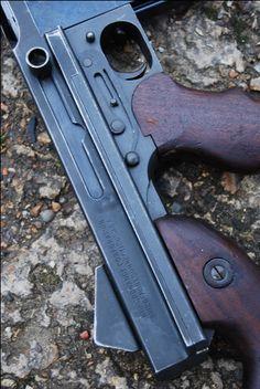 Thompson Sub Machine Gun Ww2 Weapons, Military Weapons, Revolver, Rubber Band Gun, Ar Rifle, Submachine Gun, Assault Rifle, Firearms, Hand Guns