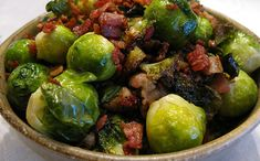 Bacon-Braised Brussel Sprouts - The Paleo Mom.substitute broccoli for the brussel sprouts, if desired Paleo Side Dishes, Vegetable Dishes, Side Dish Recipes, Paleo Mom, How To Eat Paleo, Paleo Diet, Paleo Bacon, Paleo Recipes, Whole Food Recipes
