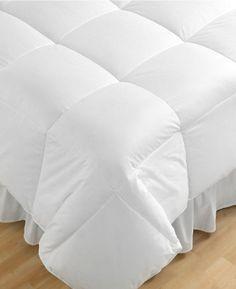 Hotel Collection Count Hungarian Goose Down Lightweight Comforter Full / Queen Hotel Collection http://www.amazon.com/dp/B006JOS4AY/ref=cm_sw_r_pi_dp_7fy3ub1V0HJ8F