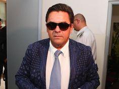 BANSKÁ BYSTRICA/BRATISLAVA - Dnes dopoludnia sa začalo na Špecializovanom trestom súde v Banskej Bystrici pojednávanie o prepustení kontroverzného ... Bratislava, Roman, Pilot, Mens Sunglasses, Fashion, Moda, Fashion Styles, Pilots, Men's Sunglasses