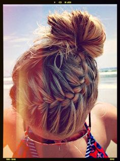 Beach Hair Style | KiteSista | THE KITESURF AND DIGITAL LIFESTYLE MAGAZINE FOR GIRLS WHO LOVE THE WATER Love it