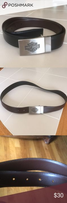 BELT, LADIES HARLEY DAVIDSON REVERSIBLE BELT, LADIES HARLEY DAVIDSON REVERSIBLE. Black/Brown. Gorgeous Satin silver buckle with HD Logo. Two small blemishes on black side of belt. Gently used. In excellent condition except as noted. Harley-Davidson Accessories Belts