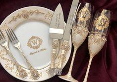 Wedding Toasting Glasses, Wedding Champagne Flutes, Champagne Bottles, White Silver Wedding, Gold Wedding, Wedding Rings, Wedding Stuff, Wedding Photos, Dream Wedding