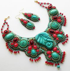 Beautiful embroidered jewelry by Alena Cilenticyriver(III)