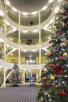 amazon com cafepress grand hotel on mackinac island m cafepress grand hotel on mackinac island m christmas ornament decorative tree ornament mackinac this