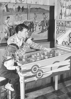 Frank Sinatra & daughter Nancy at home, playing a pinball machine. Photo by Herbert Gehr, 1943 Nancy Sinatra, Classic Hollywood, Old Hollywood, Joey Bishop, Tv, Pinball Wizard, Penny Arcade, Sammy Davis Jr, Dean Martin