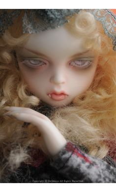 this would be a sweet doll to use as Claudia from Interview with the Vampire :)