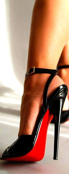 Love! / Christian Louboutin Pumps out-let 89.00 dollars! Thank you very much!